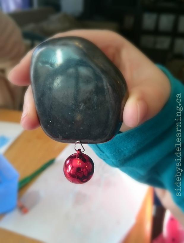 christmas-bulb-magnetic